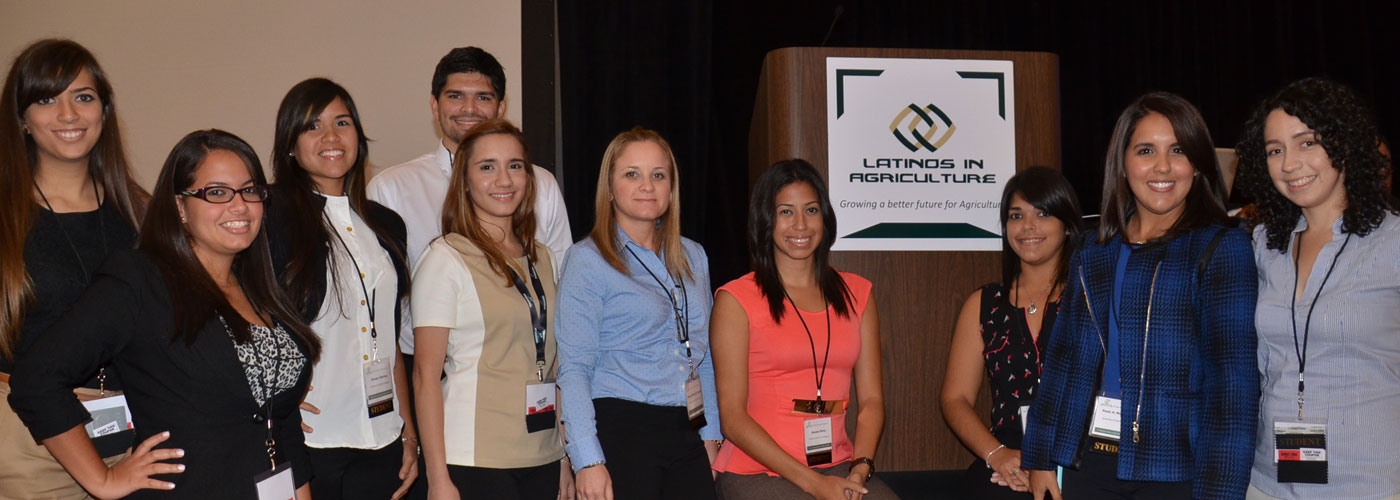group photo - latinos in agriculture